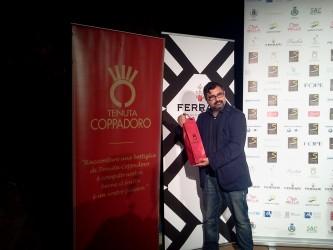 Francesco Del Grosso riceve il premio per Non voltarti indietro