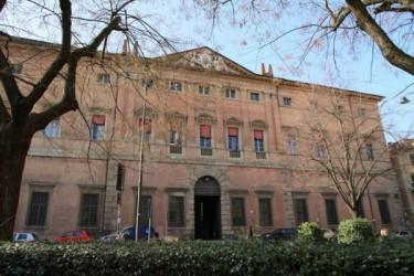 Tre mesi carcere e otto di domiciliari per rapina: assolti