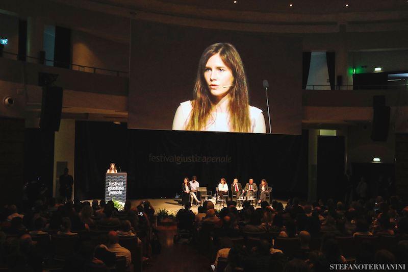 Amanda Knox risarcita per violazione del diritto alla difesa